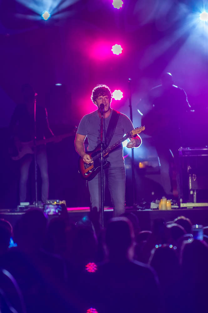 Billy-Currington-11