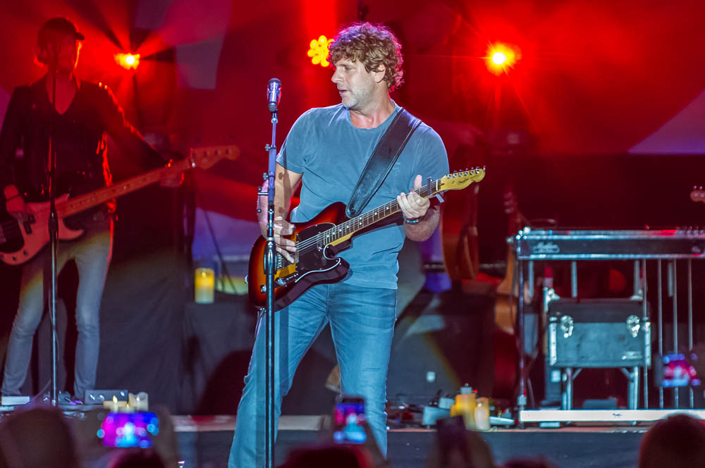 Billy-Currington-12
