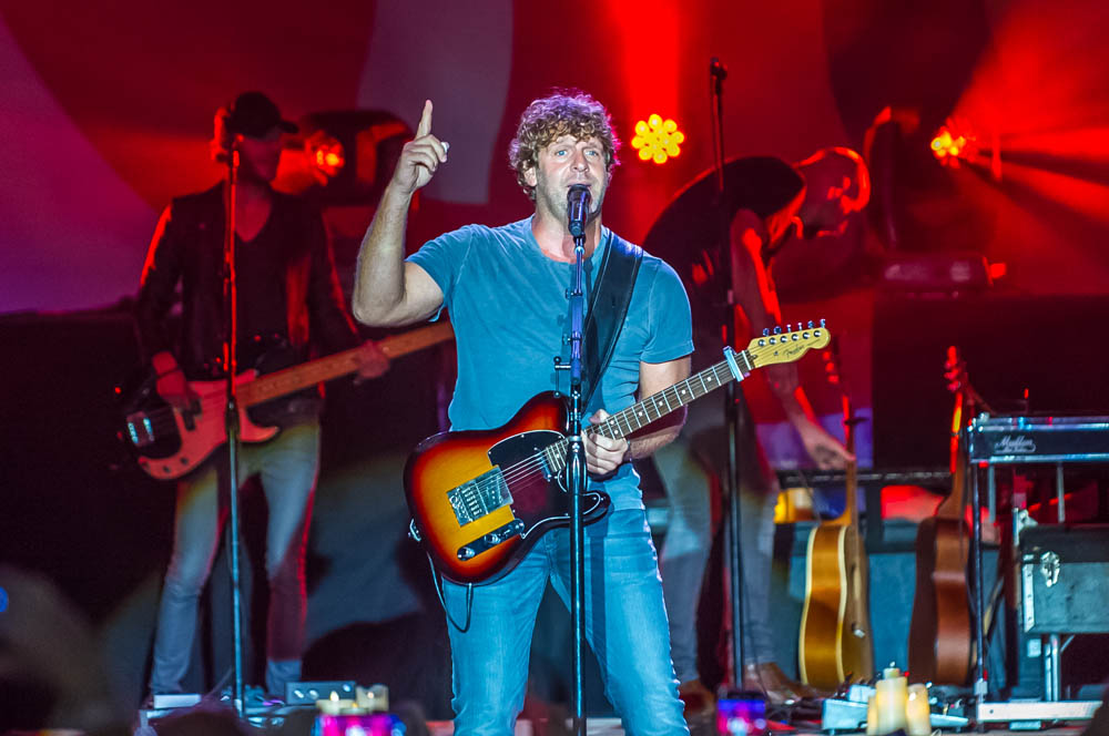 Billy-Currington-13
